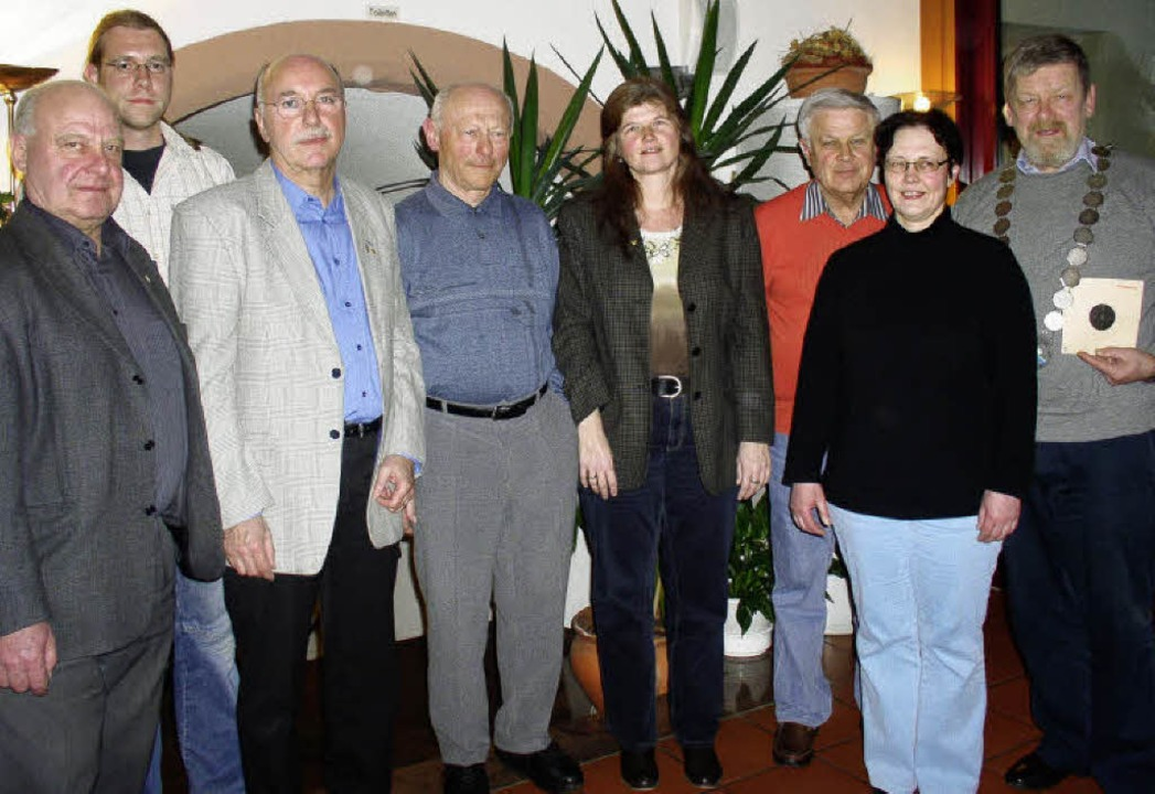 Geehrte und neue Vorstandsmitglieder b..., Brigitte Ernst  und Eberhard Wildt.     Foto: Greiner