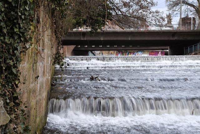 Ufermauer droht der Kollaps