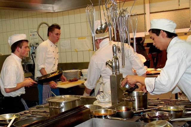 Muschel, Dorade und Ente als Gericht