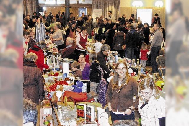 Über 1000 Besucher strömen in die Hüfinger Festhalle
