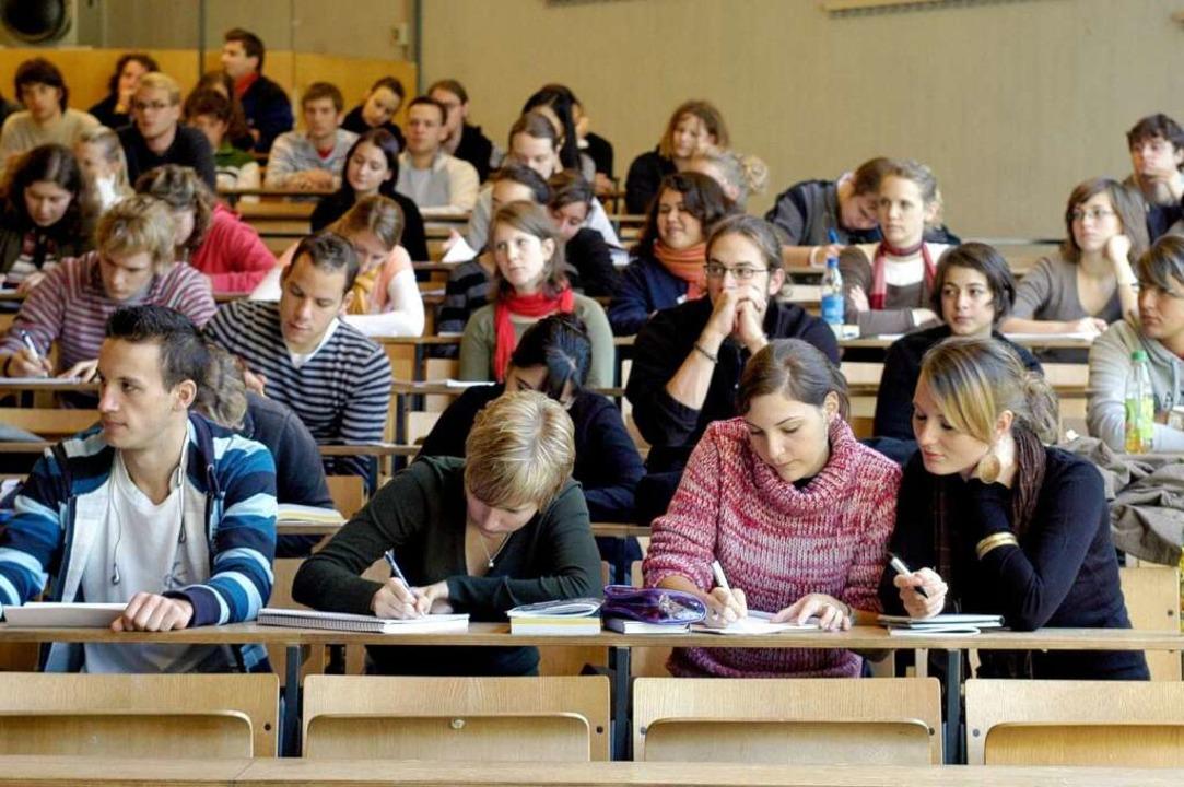 An den Unis in Baden-Württemberg haben...den so viele Dozenten wie Dozentinnen.    Foto: Ingo Schneider