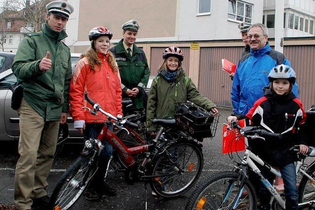 Junge Fahrradfahrer im Blick der Polizei