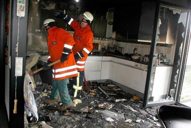 Küchenzeile in Flammen – Brand in Einfamilienhaus