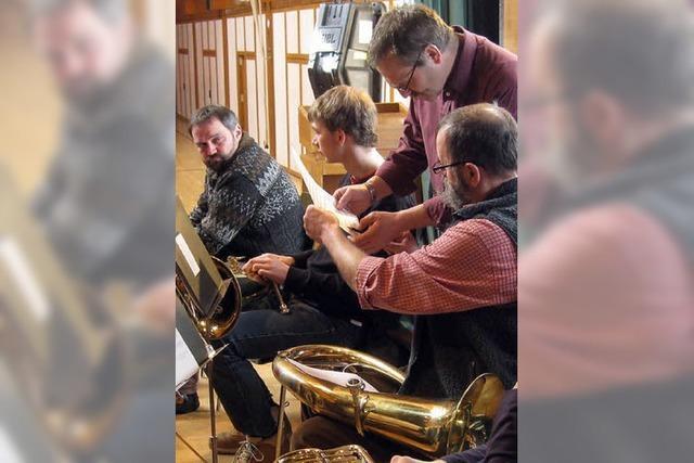 Trachtenkapelle reist musikalisch durch die Schweiz
