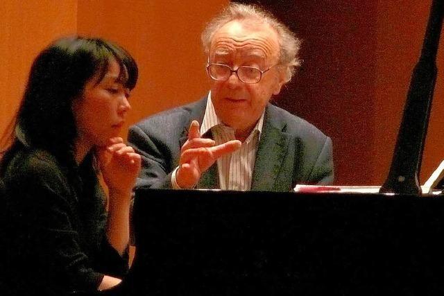 Freiburger Studenten lernen von Star-Pianist Alfred Brendel