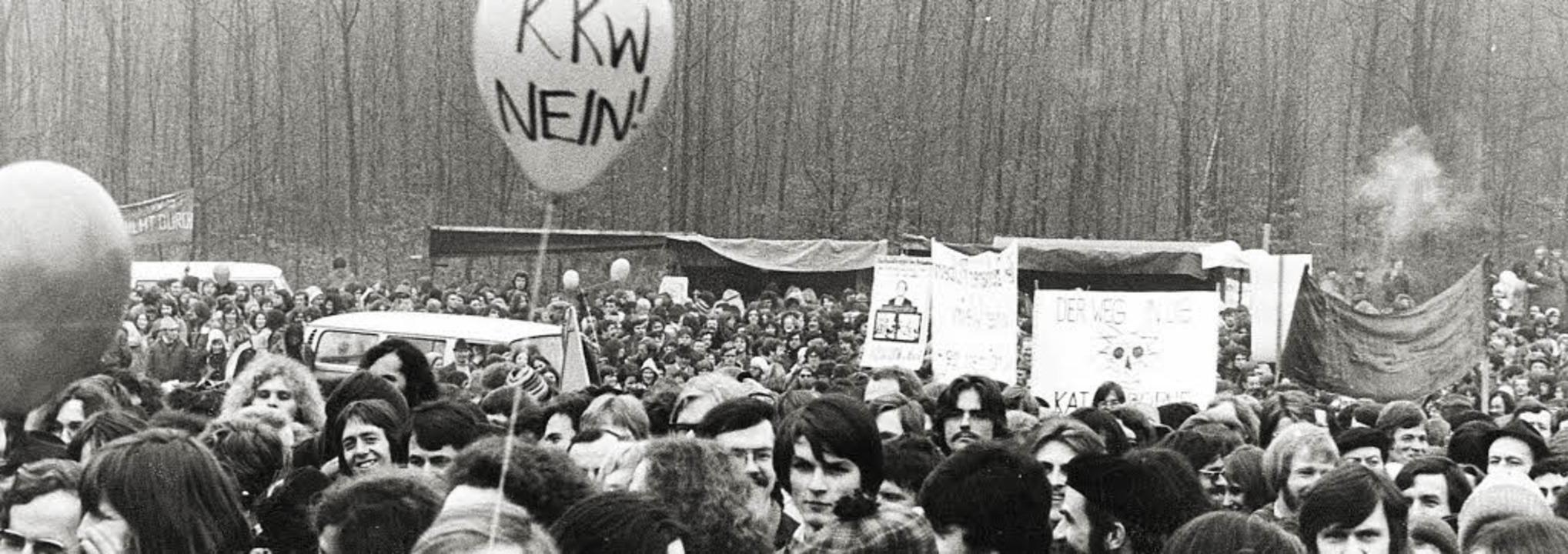 28 000 Menschen protestierten am 23.&#...gegen das dort geplante Atomkraftwerk.  | Foto: Manfred Richter