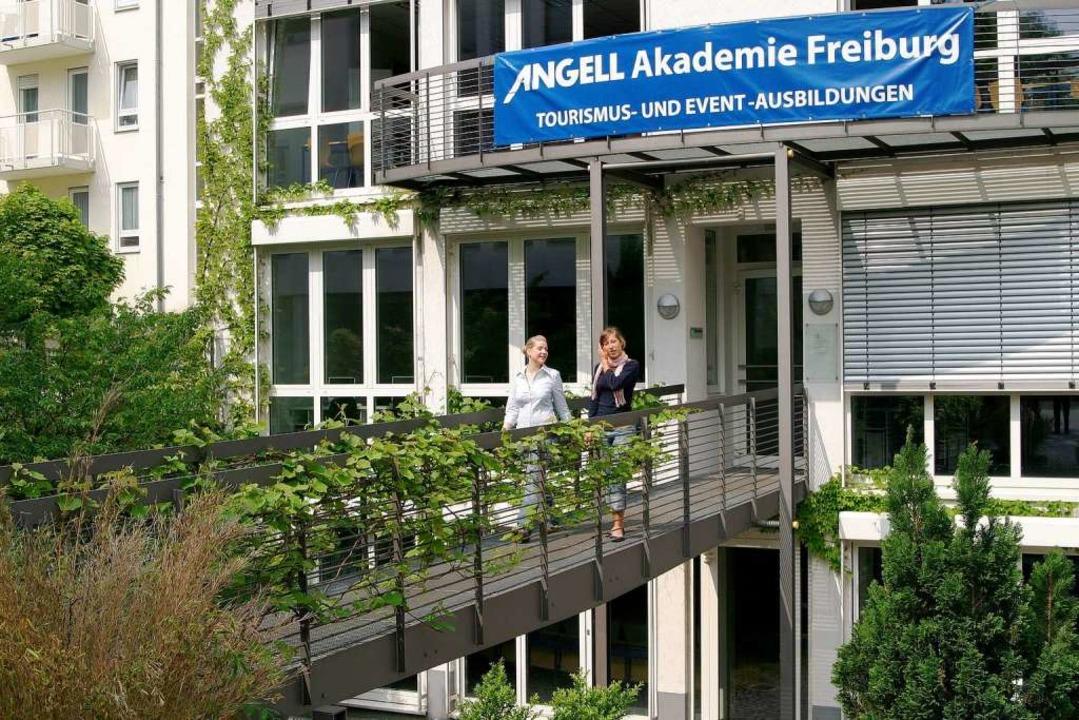 Vor dem Eintritt in die Ausbildungs-Ha...muss die Bewerbung geschrieben werden.  | Foto: ANGELL