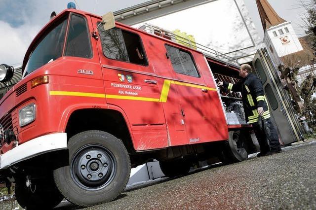 Sechs neue Feuerwehrautos