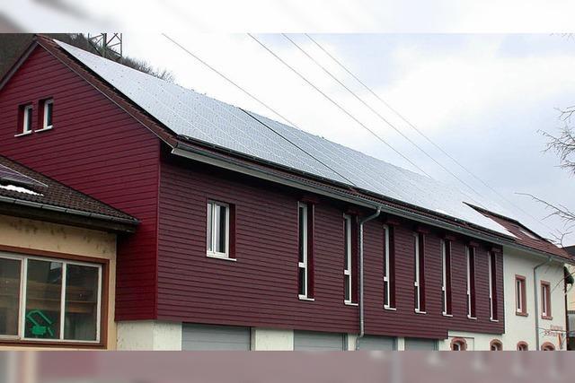 Photovoltaikanlage auf dem Dach des Musikhauses