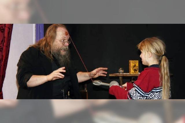 Dr. Marrax lässt seine Zaubertricks durchschauen