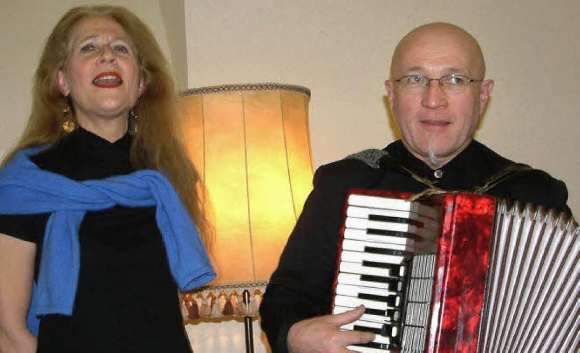 Mit Chansons brachte das elsässische L...Bühne der Mundart-Literaturwerkstatt.   | Foto: Roswitha Frey