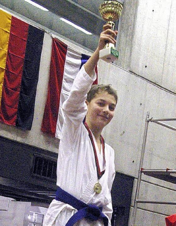 Gold gab es für Antonio Iamello bei den Karate Swiss Open   | Foto: Privat