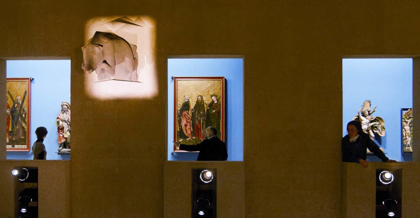 Fensterbilder: Ausblick von der Empore...oßen Saal in die   Kabinette gegenüber  | Foto: killian/vieser