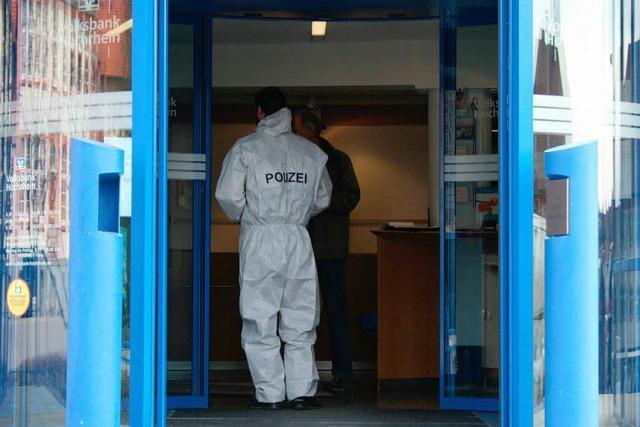 Räuber überfällt Bank in Grafenhausen – Hubschraubereinsatz