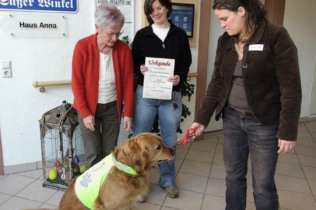 Artus bringt tierische Abwechslung ins Altenheim