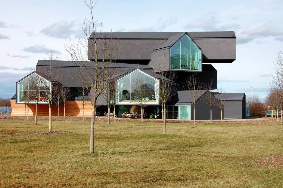 """""""Mikadostäbe, die übereinander fallen"""" – so bezeichnen die Basler Architekten Herzog & de Meuron ihr Konzept für das Vitra-Haus. (Foto: Herbert Frey)"""