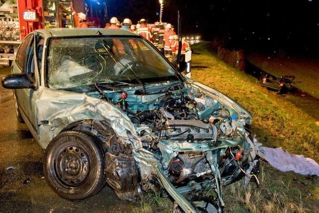 2 Tote bei schwerem Unfall nahe Köndringen