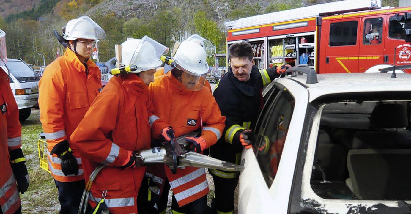 Auf die Ausbildung, wie hier beim Trup...er Feuerwehr Zell großen Wert gelegt.   | Foto: Privat