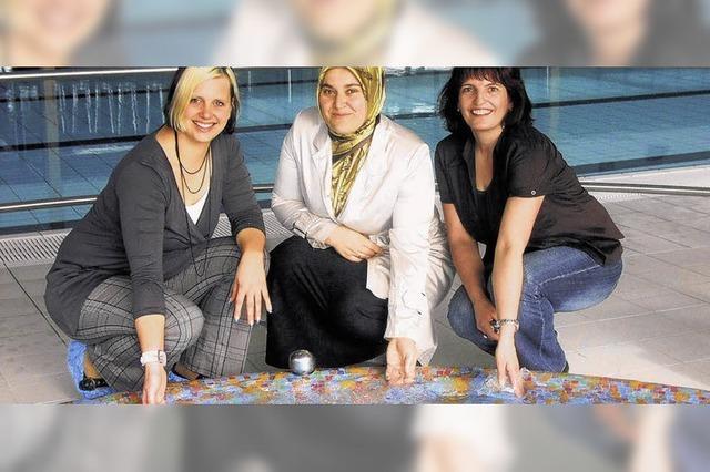 109 Musliminnen kommen zum Badetag
