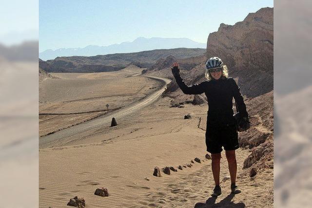 Zelten auf bebendem Wüstenboden