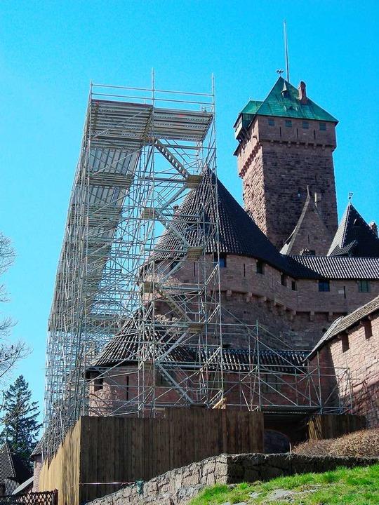 Gerüste prägen momentan das Bild der Hochkönigsburg.    Foto: Hochkönigsburg