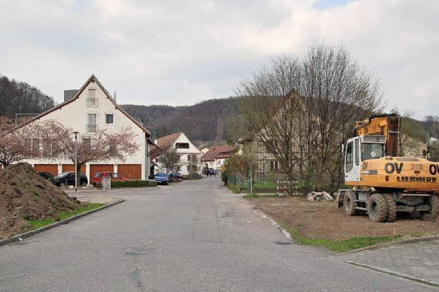 In Kirchstraße rollen Bagger an