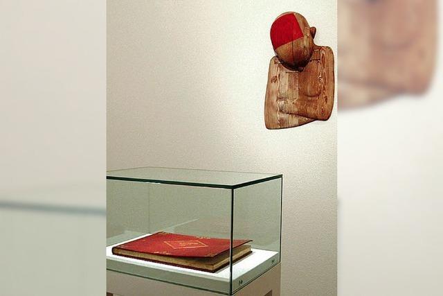 Winzige Objekte und irritierende Installationen