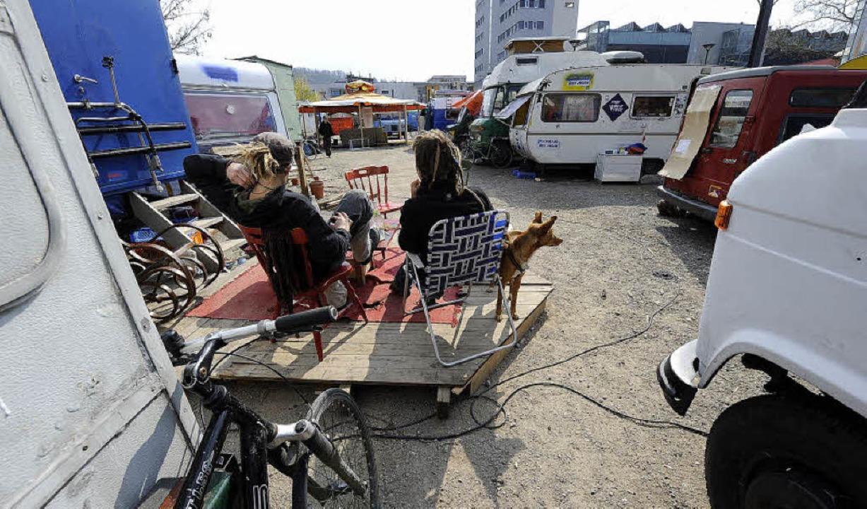 Die Wagenburg-Bewohner auf dem besetzt...lände verhandeln weiter mit der Stadt.  | Foto: ingo schneider