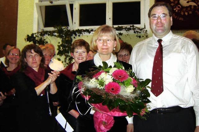 Die Chorgemeinschaft Vögisheim feiert ihre Dirigentin