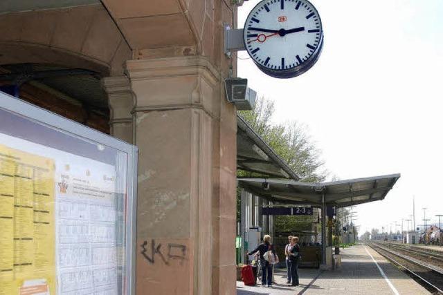 Bahnhof steht zum Verkauf
