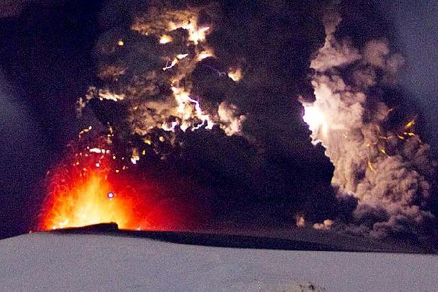 ANGERISSEN: Vulkanisten kontra Neptunisten