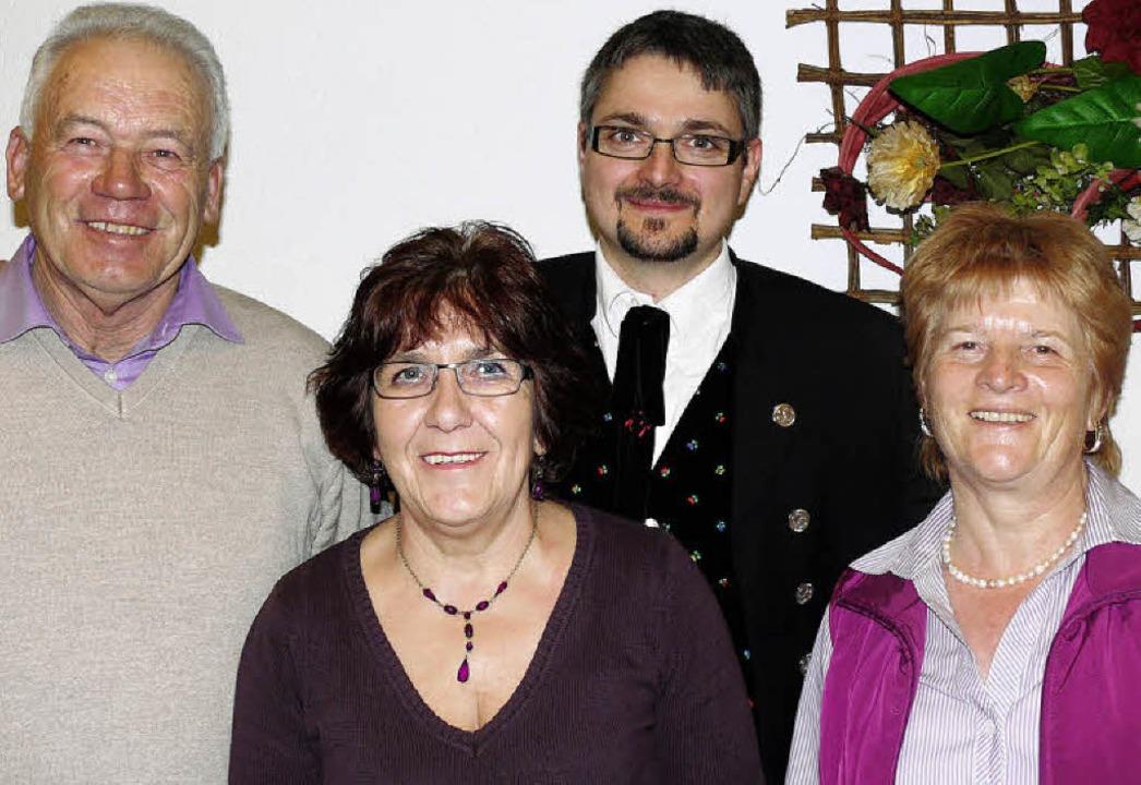 Alfred Schlachter, Maria Puchinger und... Uwe Frommherz für ihre Vereinstreue.   | Foto: Ute Aschendorf