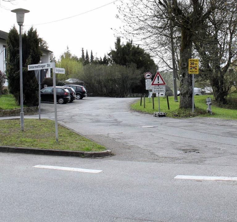 Im Zuge der Ausbauarbeiten wird die  E... Landesstraße   rechtwinklig angelegt.    Foto: Wilfried Dieckmann