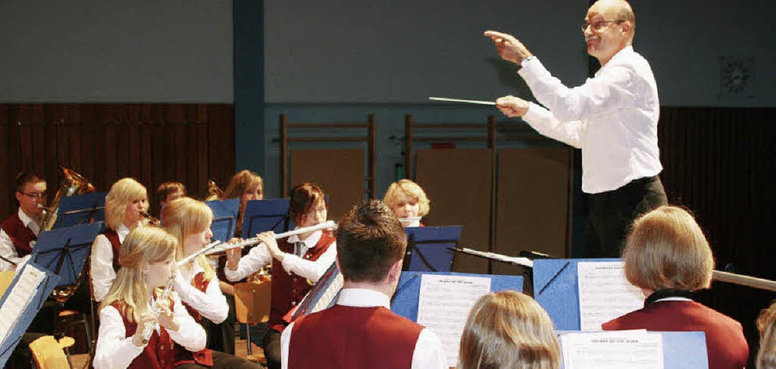 Dirigent Michiel Oldenkamp freute sich...ines Jugendorchesters in Malterdingen.  | Foto: Gerda Oswald