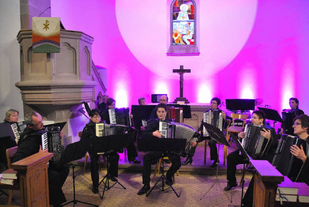 Mit einem Konzert und ungewöhnlichen B...ub Freiamt  die zahlreichen Besucher.     Foto: Dieter Erggelet