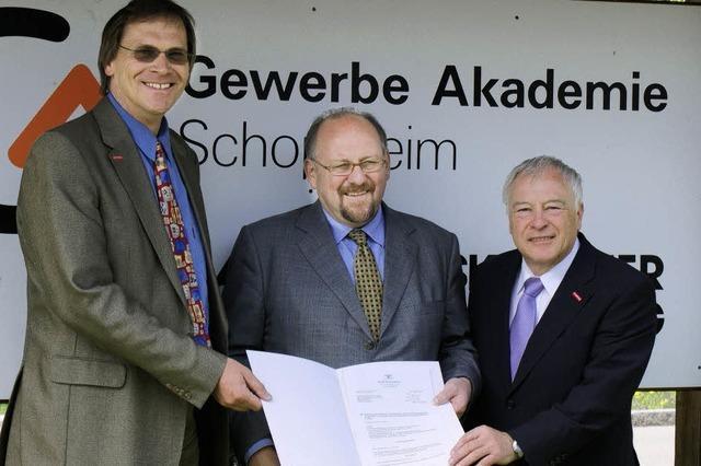 Dicker Scheck vom Staatssekretär