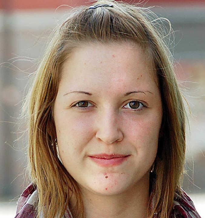 Laura Rössler, 18, Schülerin aus Efrin...n Problem, mit dem Flugzeug zu reisen.    Foto: Richard Ihle