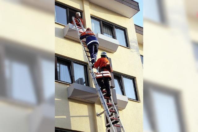 Zwölf Hotelgäste bei Übung gerettet