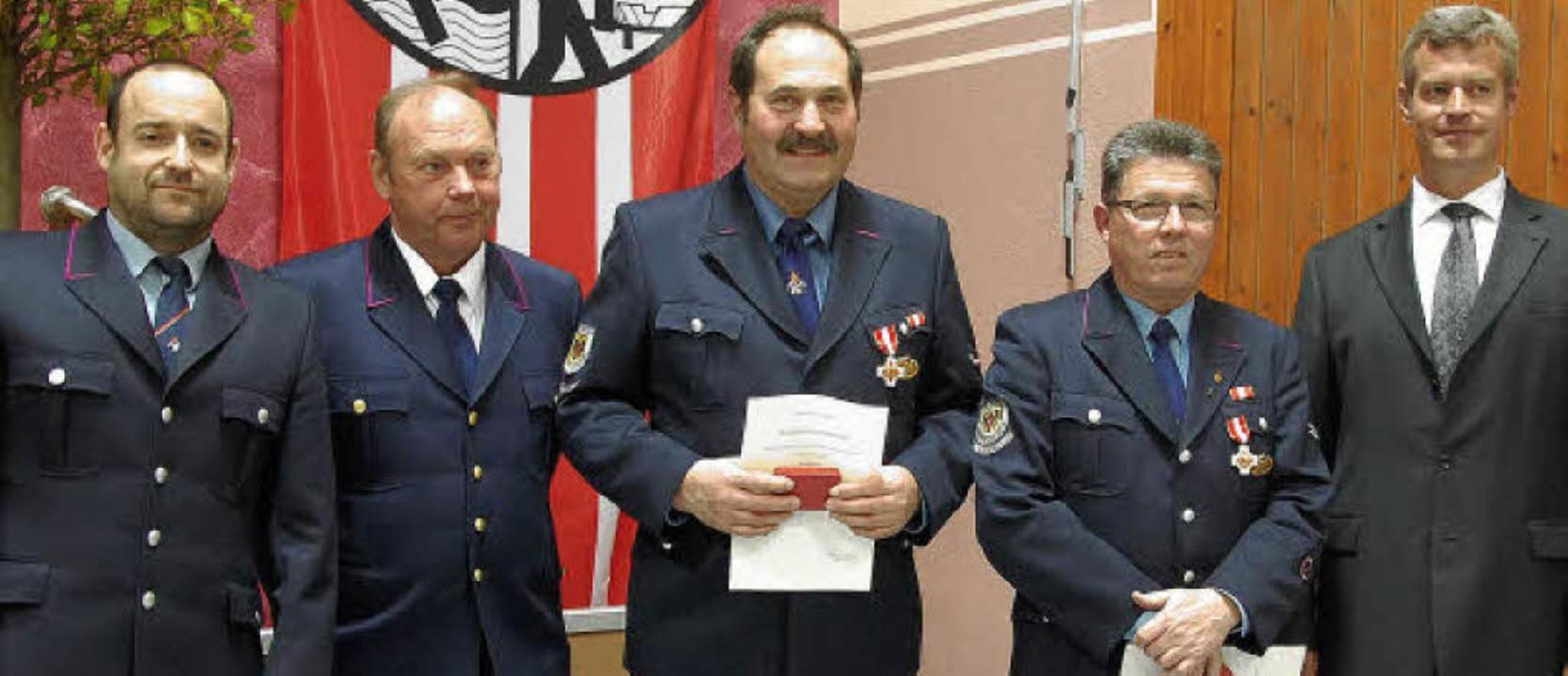 Seit 40 Jahren Mitglied bei der Breisa...n ihnen  die Ehrenmedaille des Landes.    Foto: kai kricheldorff