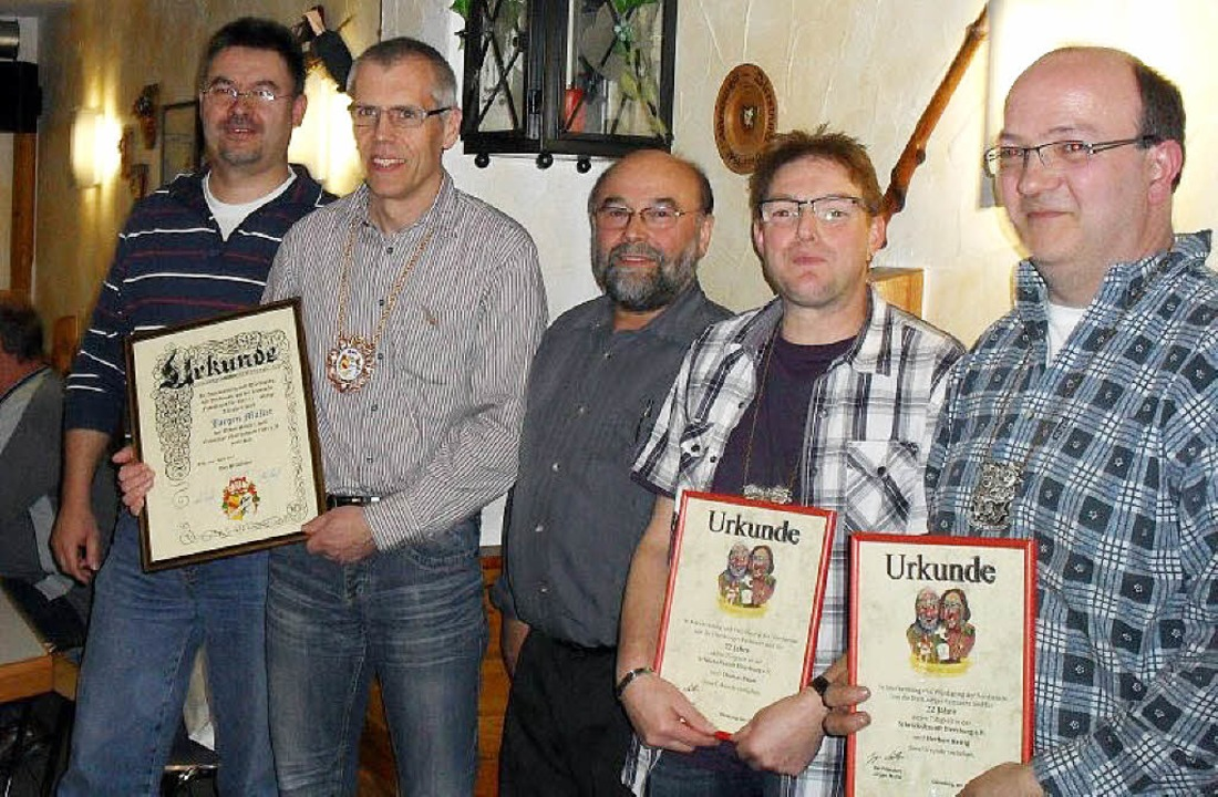 Auf dem Bild sind zu sehen ( von links...bele ONB, Thomas Bauer, Herbert Hettig  | Foto: bz