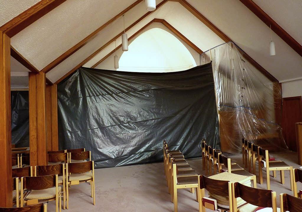 In der Johanneskirche haben die Renovi...ereits mit einer Staubwand abgeteilt.   | Foto: Michaela Fischer