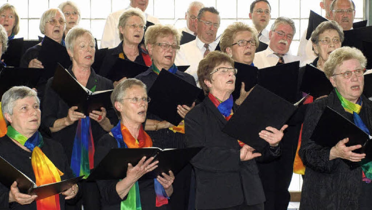 Frauenchor Hauingen bei seinem Jahreskonzert     Foto: Paul Schleer