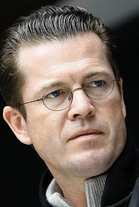 Zu  Guttenberg sagt aus.  | Foto: DPA