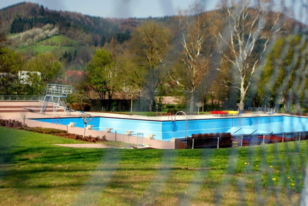 Der Eintritt ins Seelbacher Schwimmbad wird teurer.  | Foto: Heidi Foessel