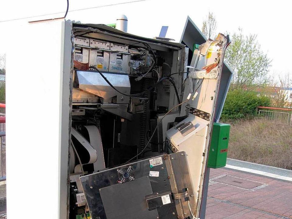 In der jüngsten Zeit wurden wiederholt Fahrkartenautomaten aufgebrochen.  | Foto: bz