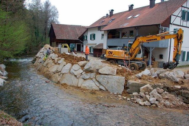 400 Tonnen Granit gegen Hochwasser