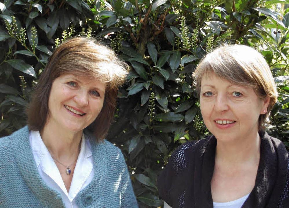 Carola Horstmann (links) und Andrea Eb... Hebels 250. Geburtstag in Denzlingen.  | Foto: Felber