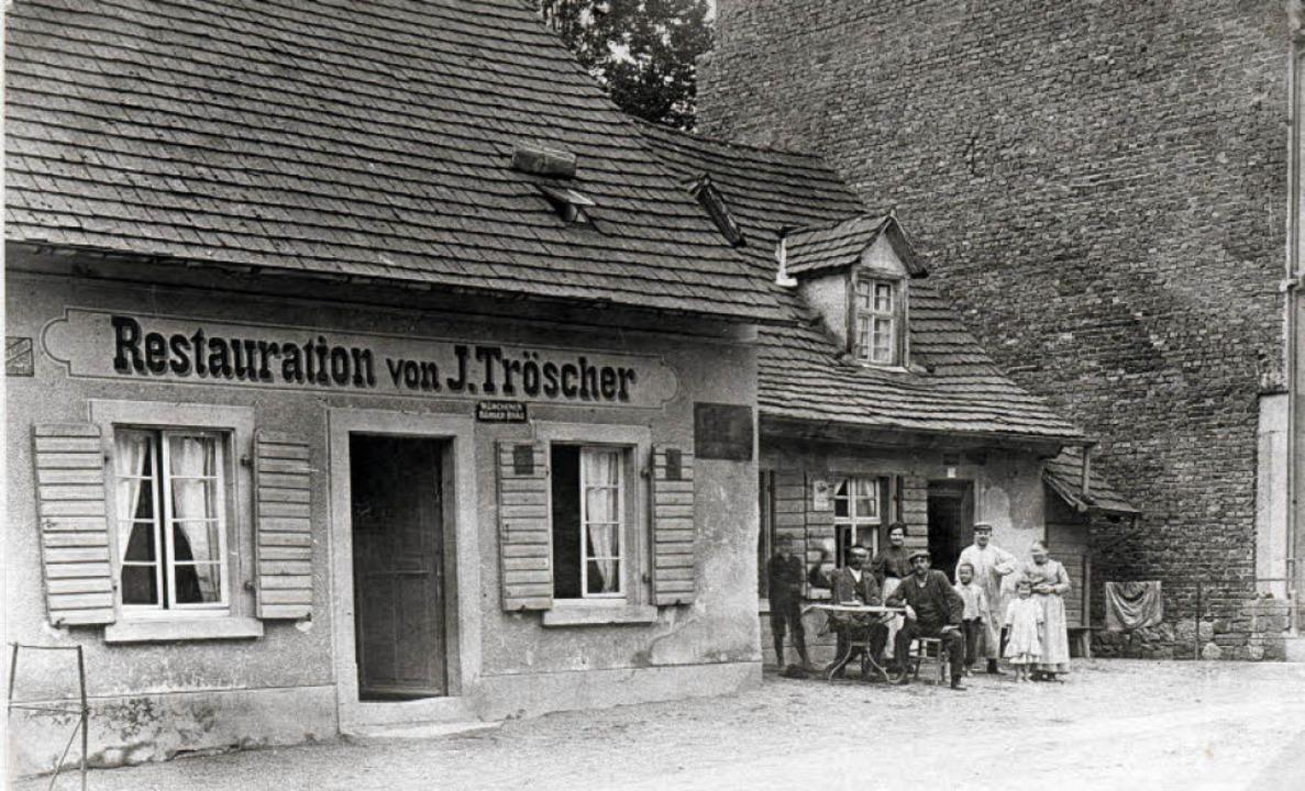 """Das historische Foto zeigt die """"... von J. Tröscher"""" im Jahr 1910.     Foto: Archiv Hans Sigmund"""