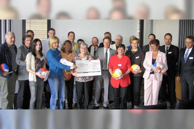 19 000 Euro für Jugendarbeit und Sportgeräte