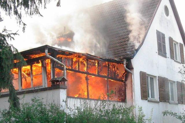 Feuer in leerstehendem Haus in Haslach